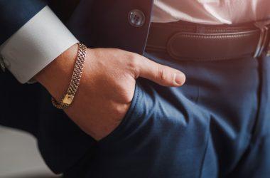 Najmodniejsza męska biżuteria na rok 2021 – jaką wybrać?