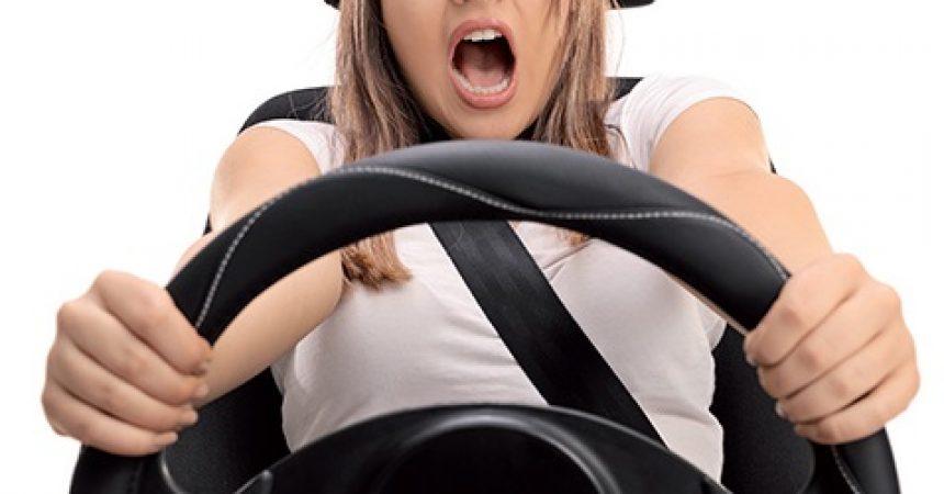 Jak stać się świadomym kierowcą – bez stresu?