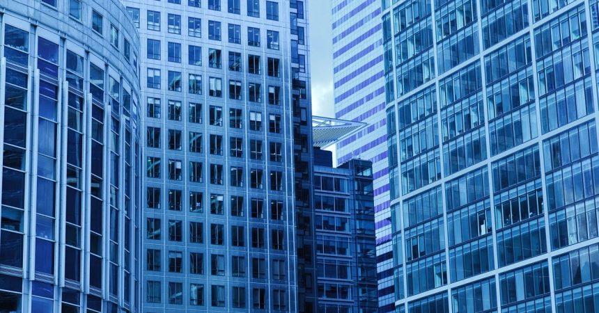 Dekoracje okienne do apartamentu, czyli rzecz o pięknych firanach okiennych