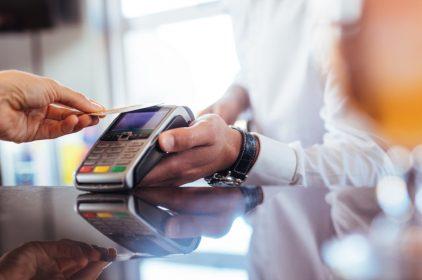 Najczęstsze oszustwa z użyciem karty płatniczej